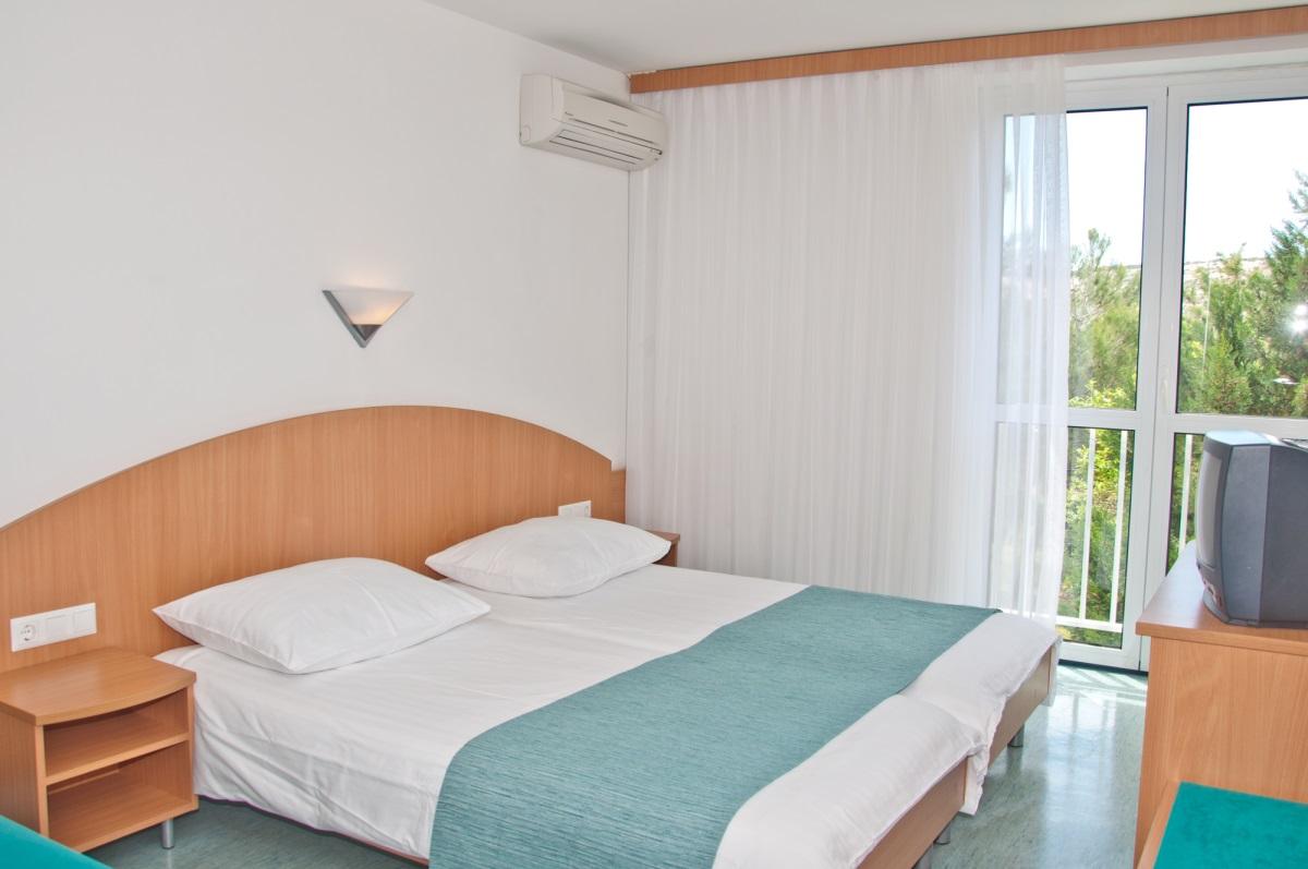 Doppelzimmer  (2-3 Personen)