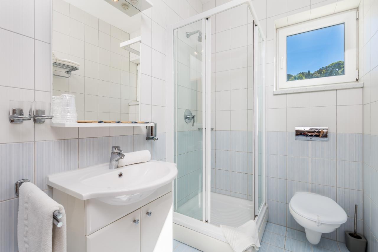 35 m wohnung in einer wohnanlage mit 3 h usern pool u. Black Bedroom Furniture Sets. Home Design Ideas
