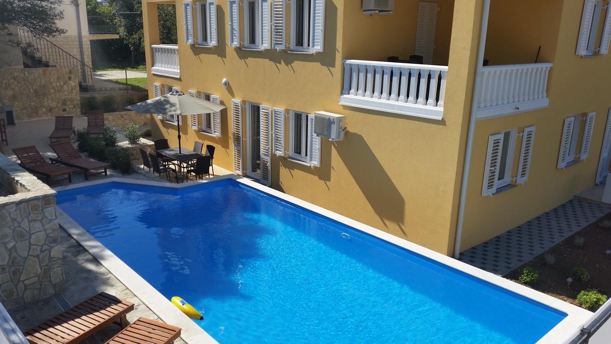 pool terrasse und internet appartement f r 4 6. Black Bedroom Furniture Sets. Home Design Ideas