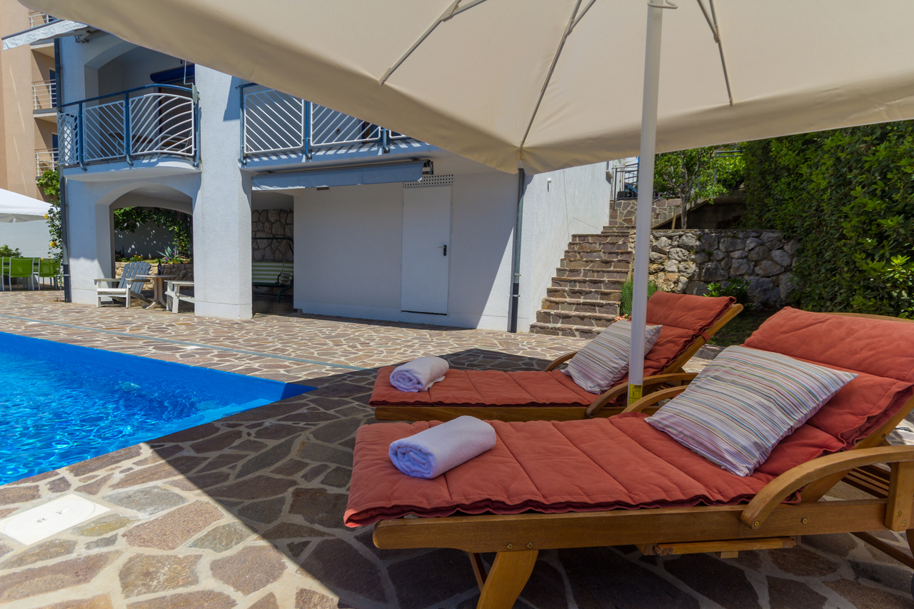 gepflegte fewo f r 4 personen swimmingpool klima sat tv objekt nr 13249. Black Bedroom Furniture Sets. Home Design Ideas