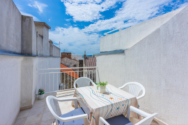 fewo f r 4 personen ber mehrere etagen sat tv objekt nr 13477. Black Bedroom Furniture Sets. Home Design Ideas