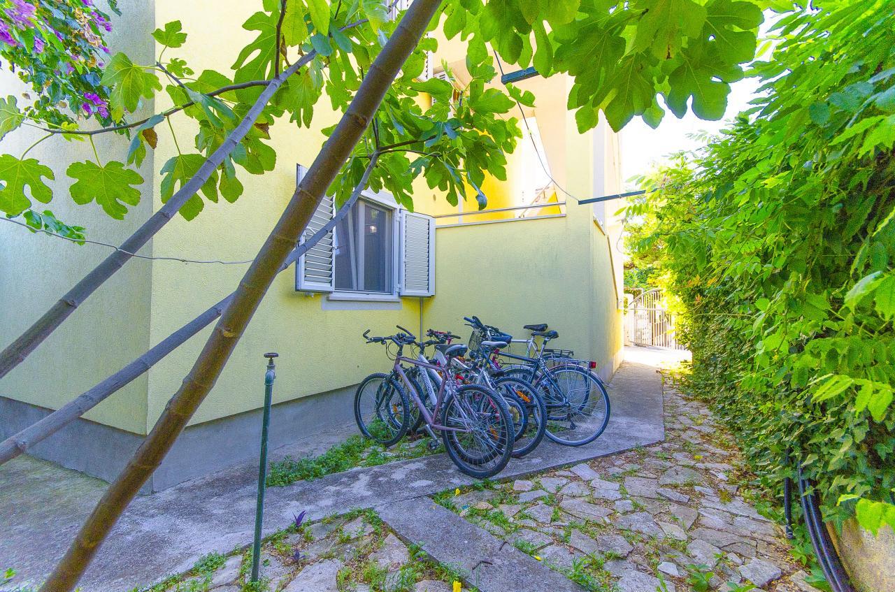 apartment f r 2 3 personen nur 50 m zu meer und strand objekt nr 16041. Black Bedroom Furniture Sets. Home Design Ideas