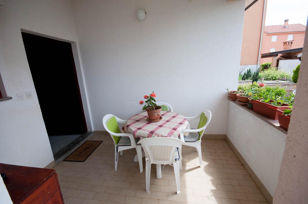 50 m ferien app f r 4 personen mit eigener terrasse im. Black Bedroom Furniture Sets. Home Design Ideas