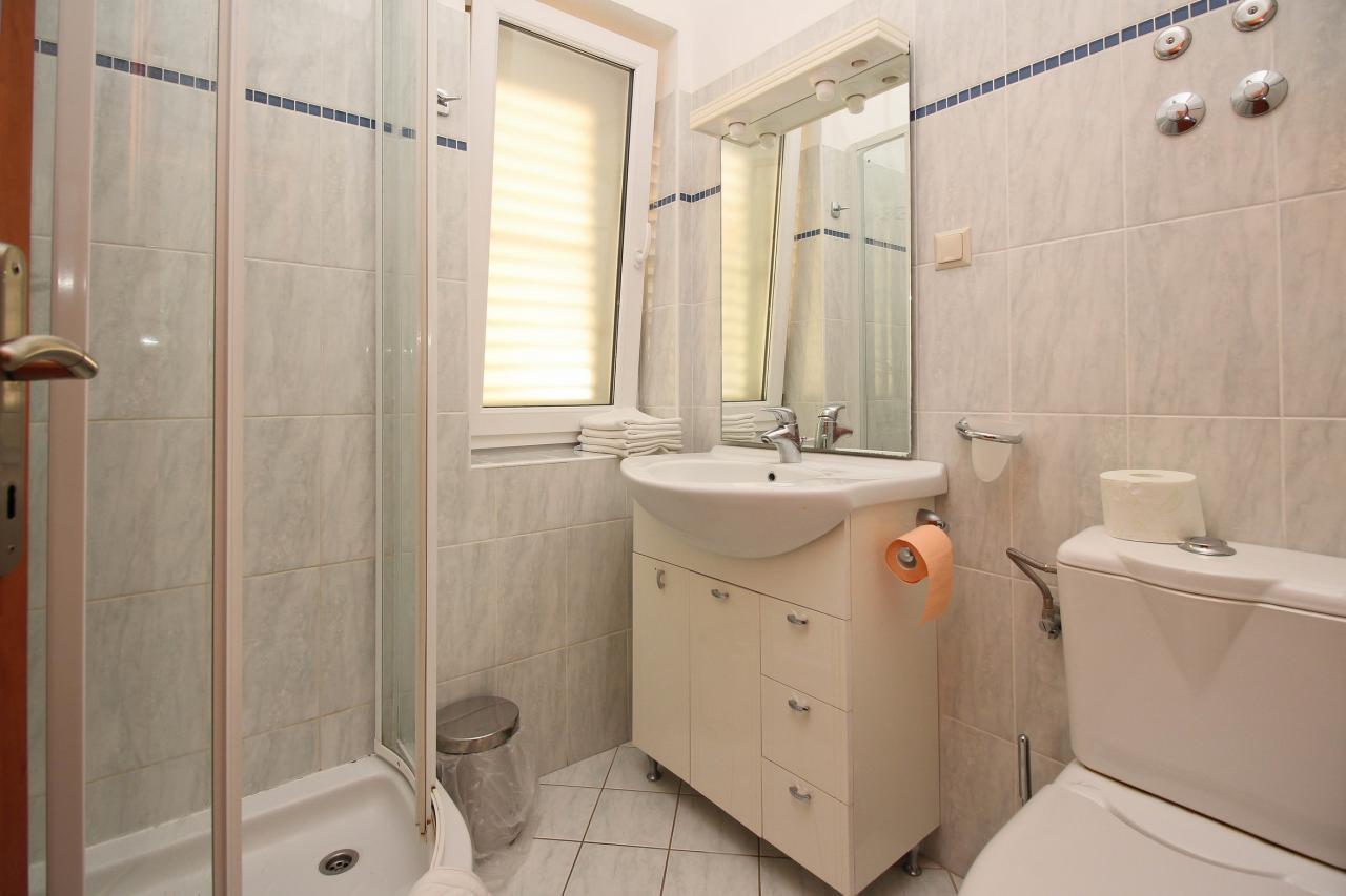 34 m erdgescho apartment im beliebten ferienort silo. Black Bedroom Furniture Sets. Home Design Ideas