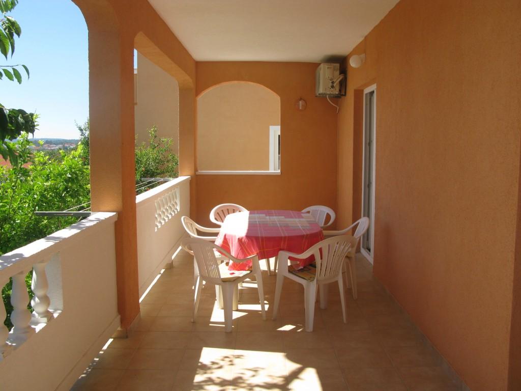 unterkunft mit terrasse garten klima tv meerblick f r. Black Bedroom Furniture Sets. Home Design Ideas