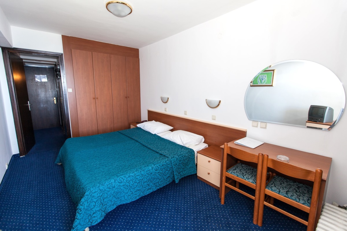 Doppelzimmer ohne Balkon  (2-3 Personen)