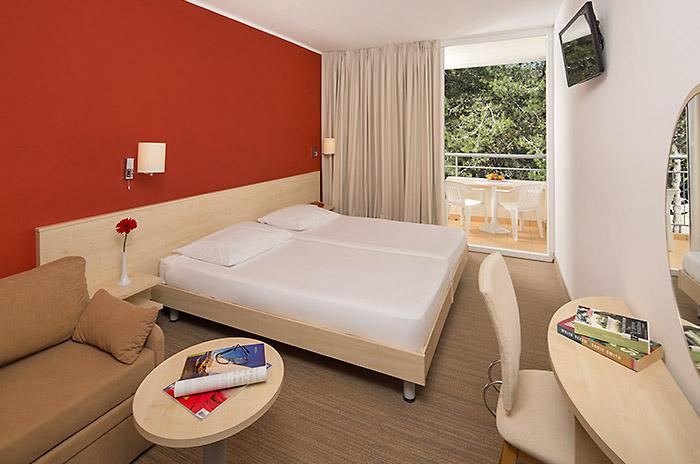 Doppelzimmer (standard) Parkseite Balkon  (3 Personen)