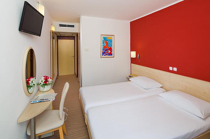 Doppelzimmer (standard) Parkseite ohne Balkon  (2 Personen)