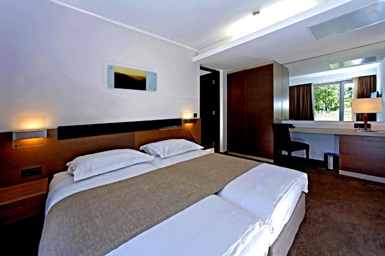 Doppelzimmer Parkseite ohne Balkon  (2 Personen)