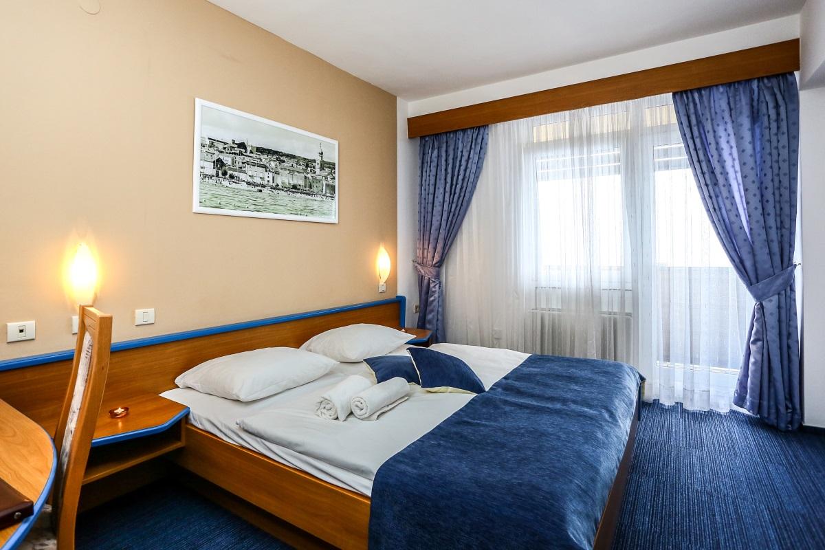 Doppelzimmer Parkseite ohne Balkon  (2-3 Personen)