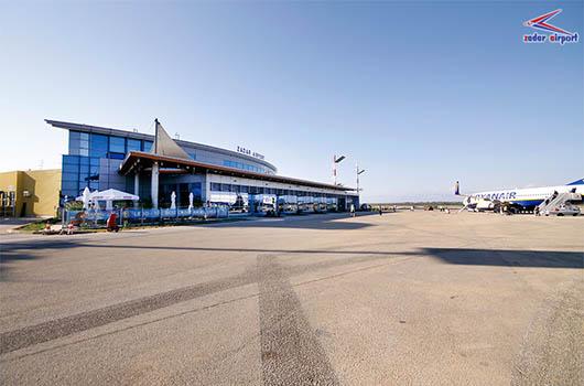 Flughafen Zadar, Kroatien - Busshuttle