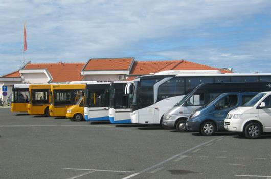 Busbahnhof in Novalja