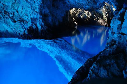 Blaue Grotte, Insel Bisevo