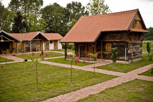 Öko Ethnodorf Selo Strug