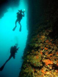 Najada Diving - Tauchgänge Höhlen & Überhänge