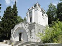 Kozala - Stadtfriedhof Mausoleum