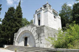 Mausoleum Stadtfriedhof Kozala