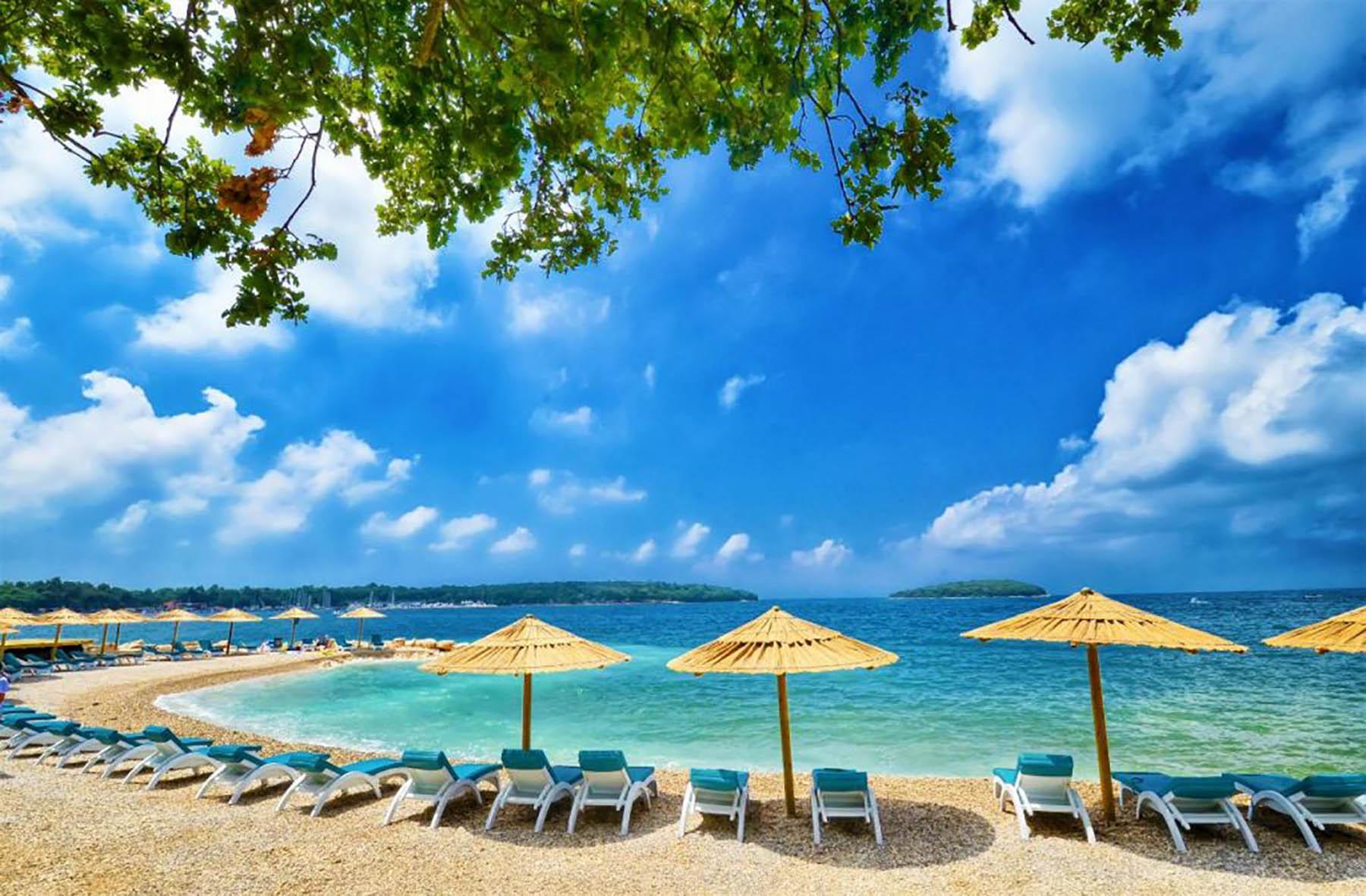 Strand Polidor Bei Funtana Online Strandfuhrer Kroati De