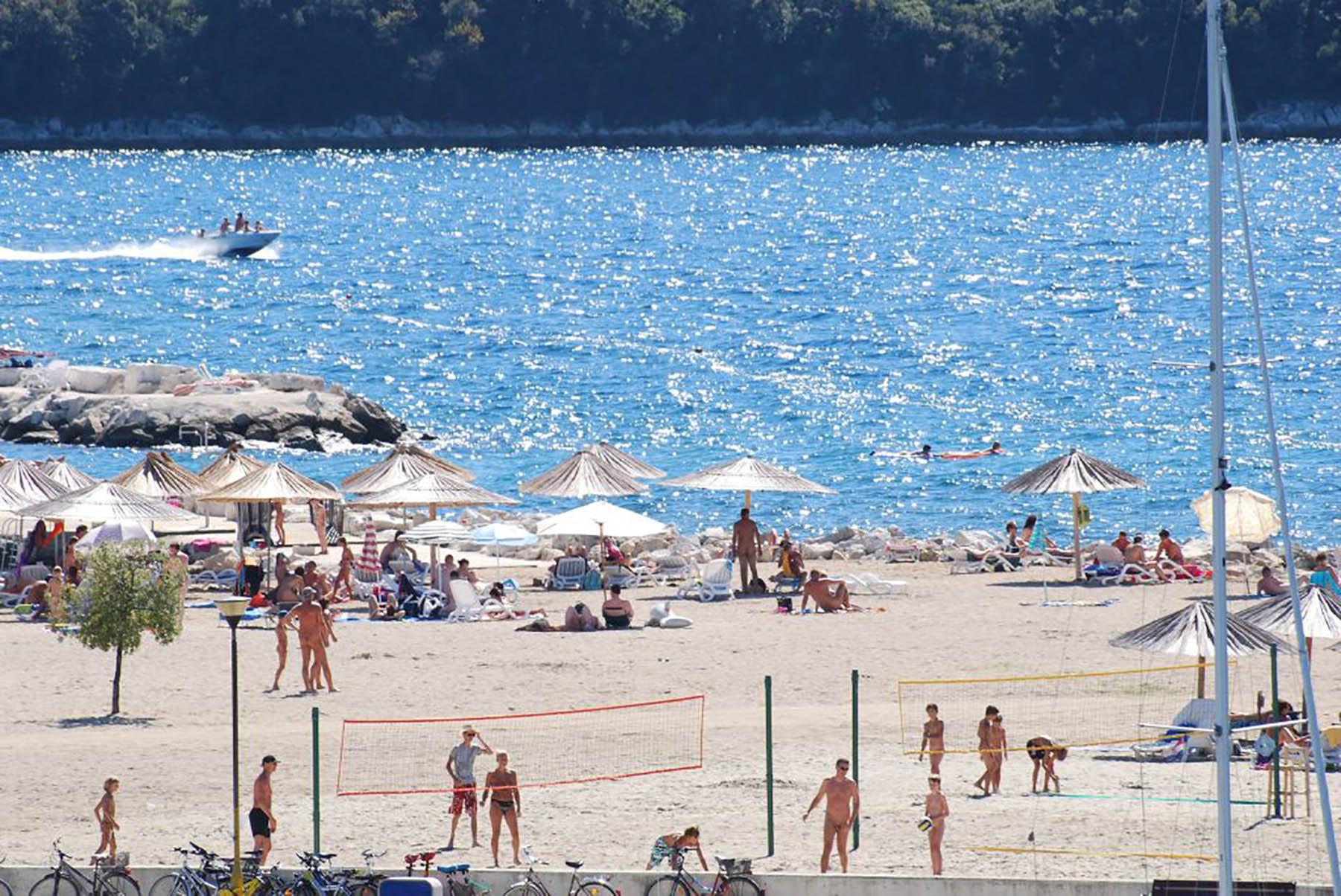 Fkk Strand Valalta Bei Rovinj Kroatien Strandfuhrer Kroati De