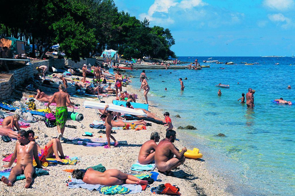 Fkk Strand Koversada Bei Vrsar Strandfuhrer Von Kroati De
