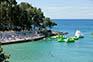 Strand Drazica, Sonnenterrassen & Aquapark