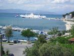 Hafen und Fähre in Lopar