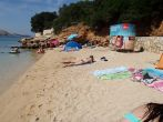 Strand Pudarica und Umkleidekabine