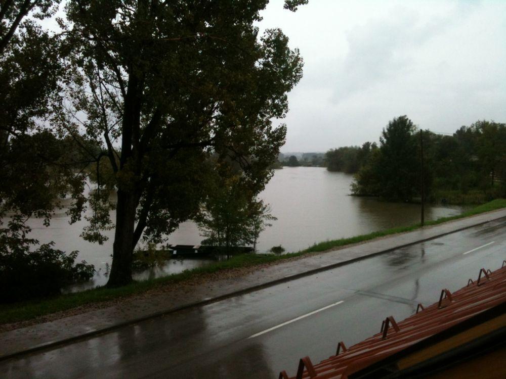 Hochwasser In Karlovac   Die Flüsse Kulpa U0026 Korana Sorgten Für Große  Überschwemmungen