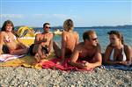 Sonnenbaden am Strand Janice 2