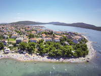 Strand Starine, Pirovac