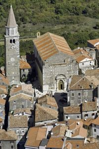 Buje, Kirche Hl. Servul - Istrien, Kroatien