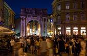 Altstadt von Pula bei Nacht