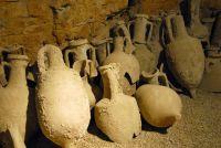 Römische Amphoren Dauerausstellung Oliven & Weinbau
