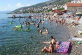 Der Strand Skver in Senj
