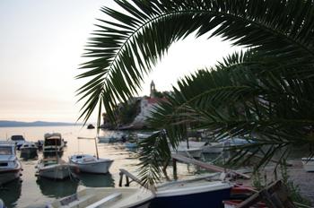 Der kleine Hafen von Pisak