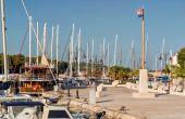 Hafen in Stari Grad