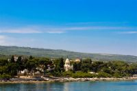 Supetar, Insel Brac - Mausoleum Petrinovic