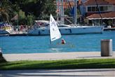 Kleines Segelboot in Trogir