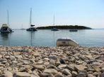 Kieselstrand auf der Insel Budikovac