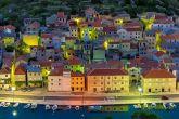 Novigrad (Dalmatien) bei Nacht