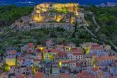Nachtaufnahme von Novigrad (Dalmatien)