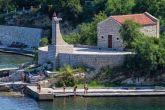 Betonierter Strand in Novigrad (Dalmatien)