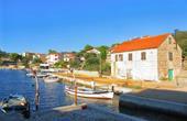 Fischerboote - kleiner Hafen