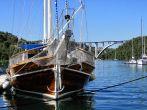 Boot bei der Brücke Skradin