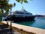 Yacht in Skradin