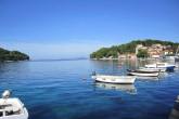 Der wunderschöne Hafen von Cavtat ist behutsam zwischen zwei Halbinseln windgeschützt eingebettet
