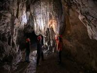 Postojna - Höhle unter Burg Predjama