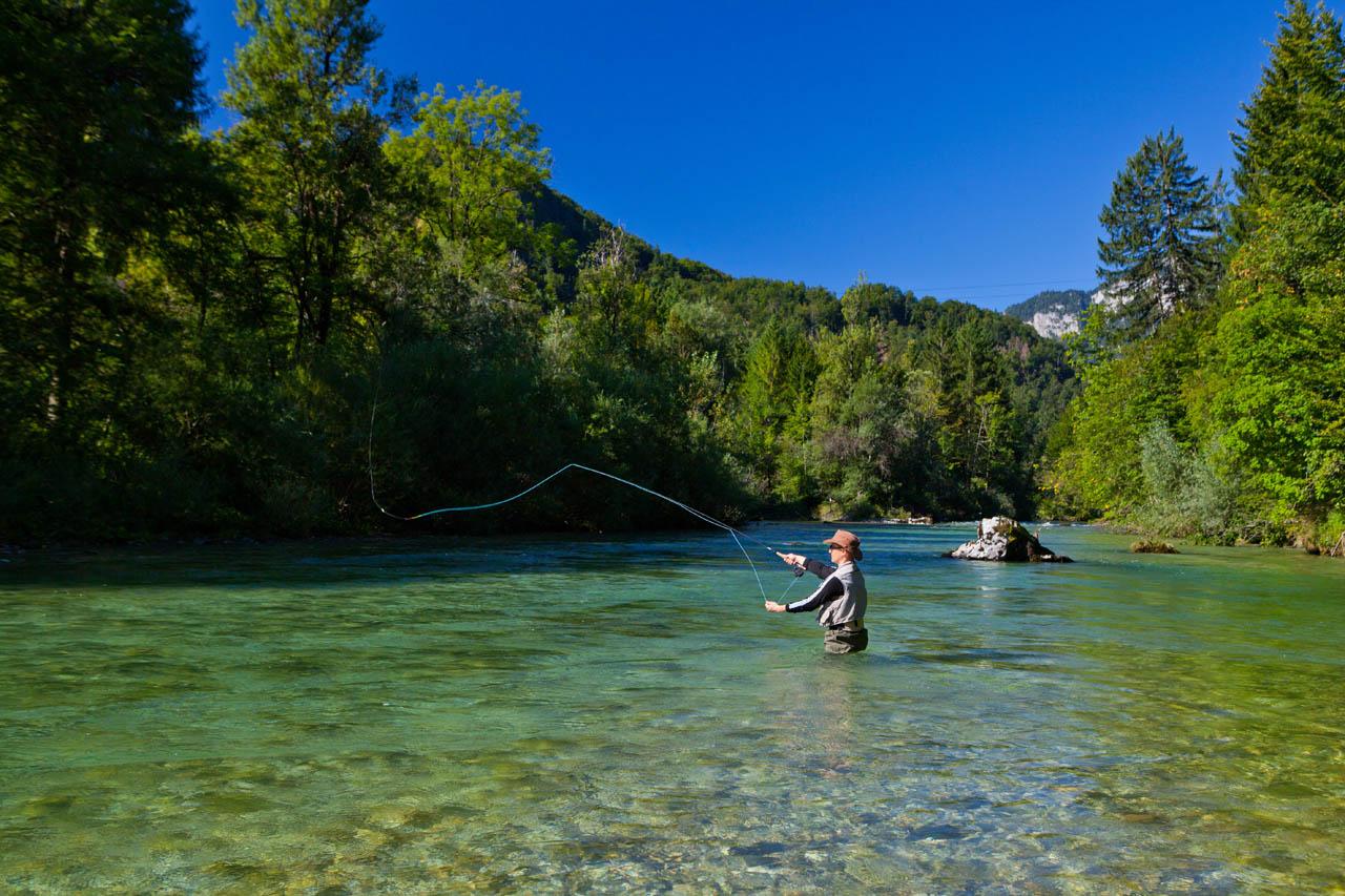 676d1adfd6a5c Im Landesinneren gibt es schier unzählige Angelmöglichkeiten zum  Süsswasserangeln. Vor allem für Fliegenfischer. (Foto: Slovenia Info; Jost  Gantar)