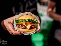 Ljubljana Odprta kuhna - Hood Burger