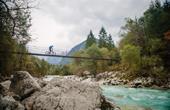 Mountainbiker - Brücke Soca